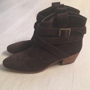 NWOT Nine West booties size 7